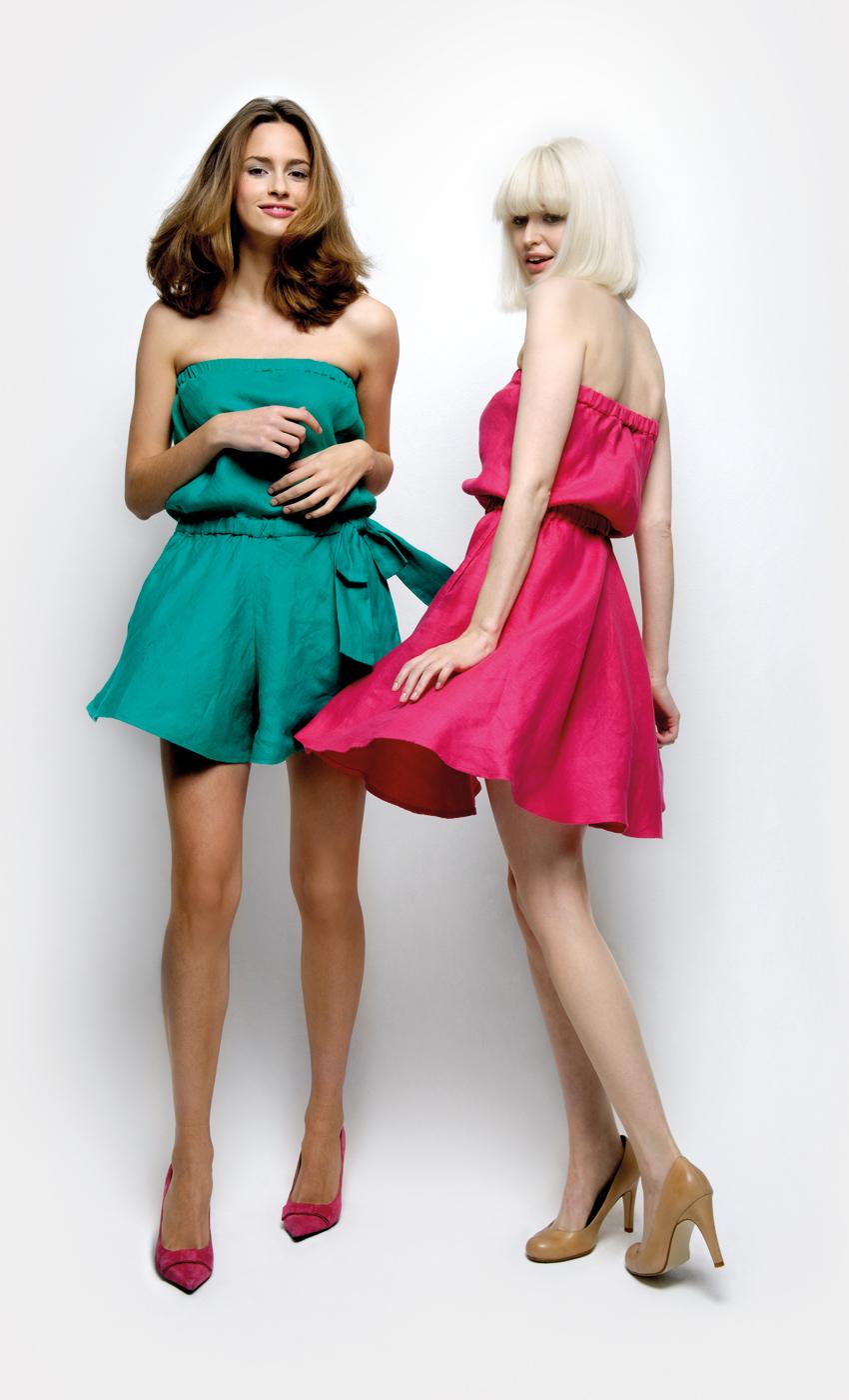 Vestido verde zapatos rosas