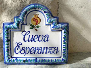 spanish wall signs