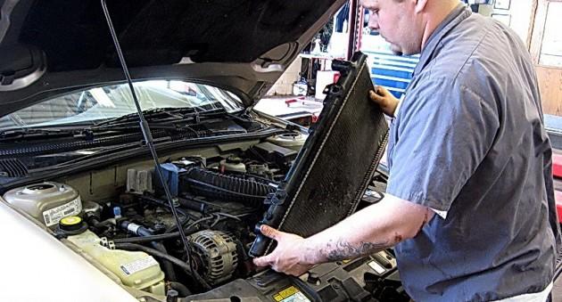 Картинки по запросу замена радиатора авто