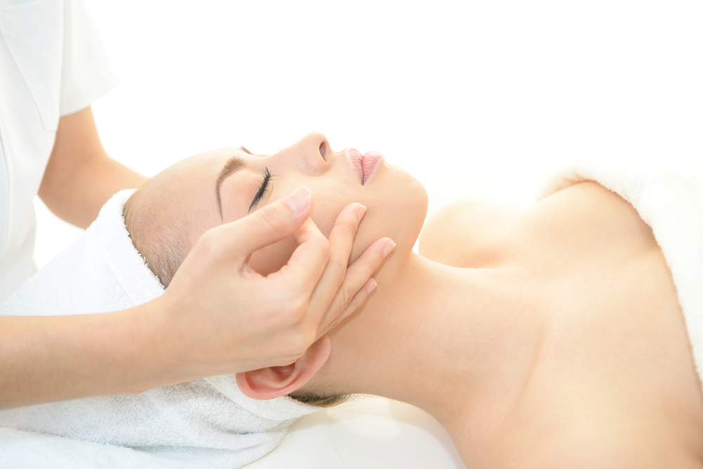 DIY Lymphatic Drainage Facial