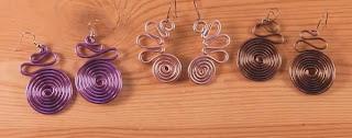 Pendientes aros de alambre de colores