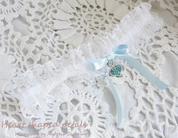 Lace garter with blue heart rhinestones