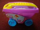 NEW pink Wagon with 80 pieces Blocks,Sale!!!RM35 only!!!