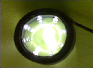 bagian alat bantu penerangan pada mikroskop