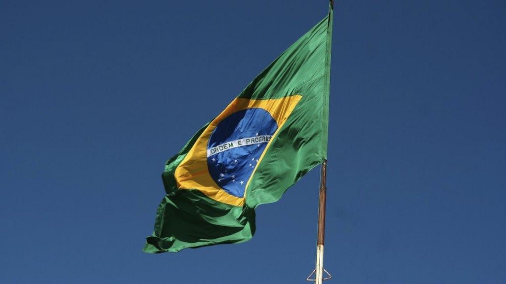 A DEMOCRACIA BRASILEIRA SOB ATAQUE
