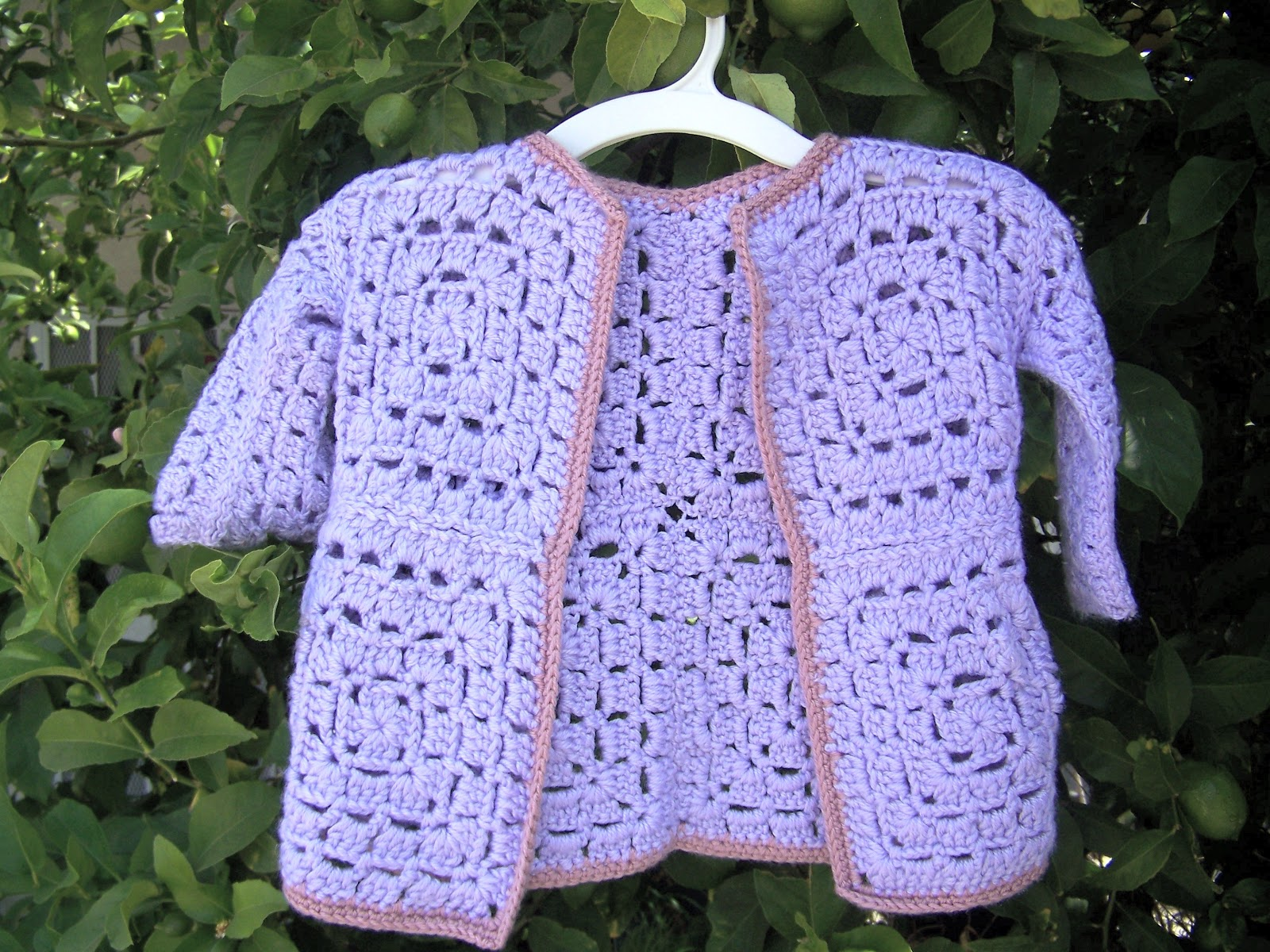 Crochet Patterns For Granny Square Sweaters : Mis 2 Manos: Made by My Hands: Granny Square Baby Sweater ...