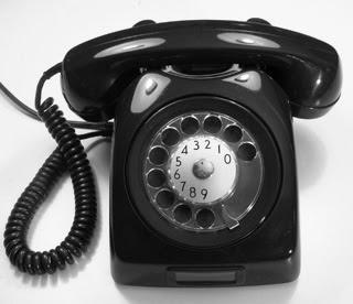 Je téléphone à ma mère...