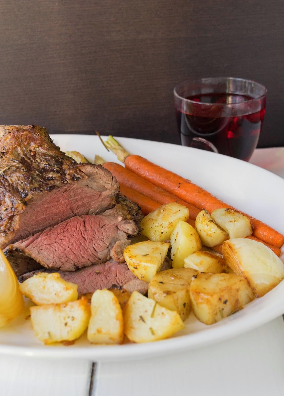 Roast beef dinner (Sunday roast)