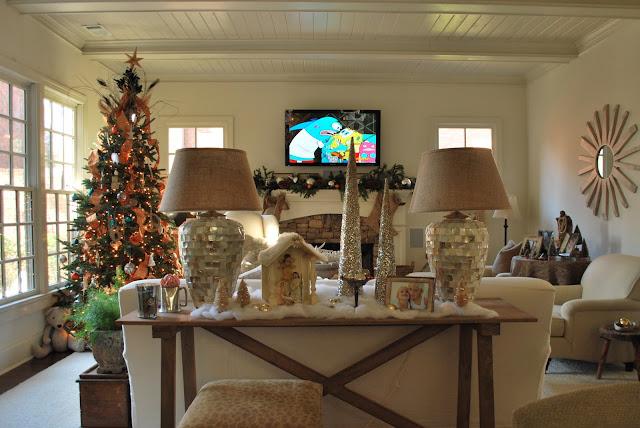 Holiday Decorating At Mi Casa