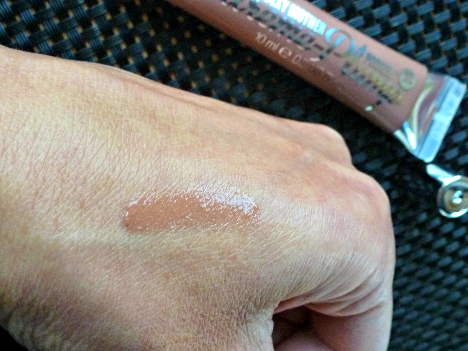 A picture of the Soap & Glory Sexy Mother Pucker Extreme Plump Collagen Lip Shine