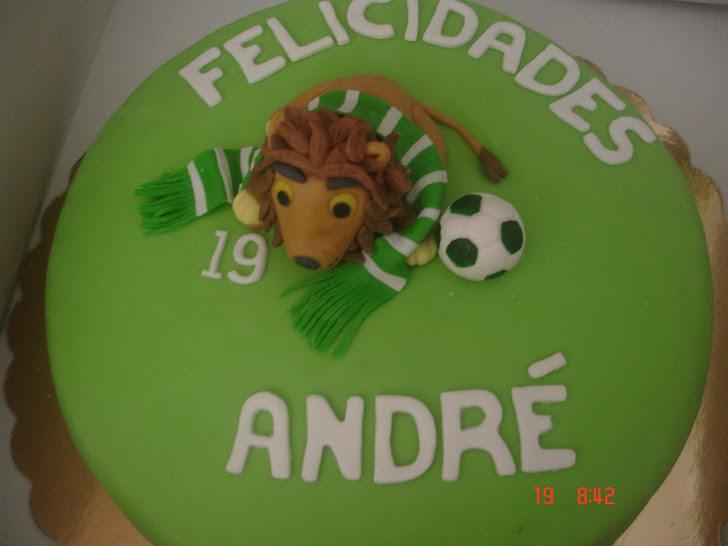Bolo de Aniversário decorado do Sporting com Leão, Cachecol e Bola