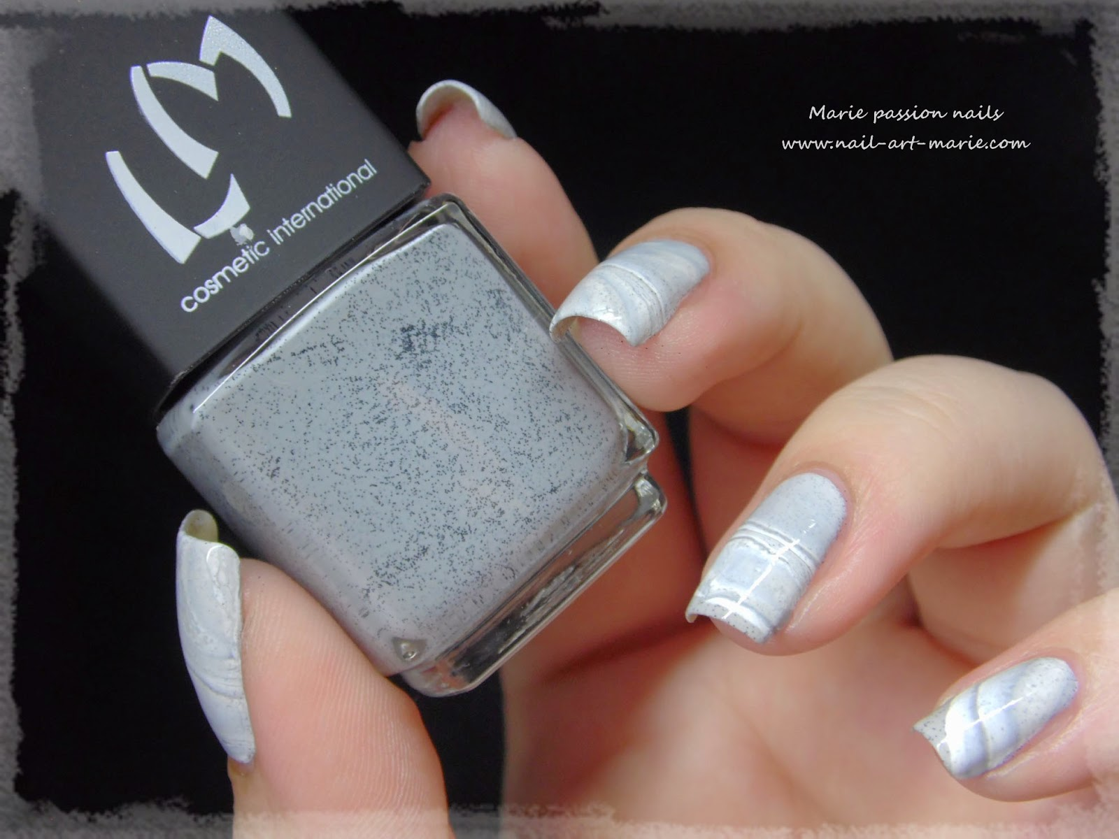 Nail Art effet Marbe au Water Marble4