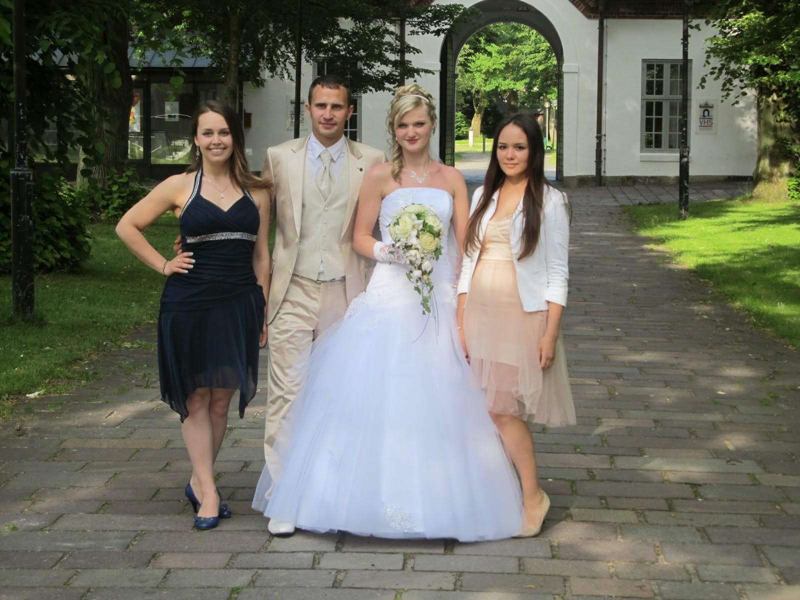 Nett Verkleiden Hochzeit Galerie - Brautkleider Ideen ...