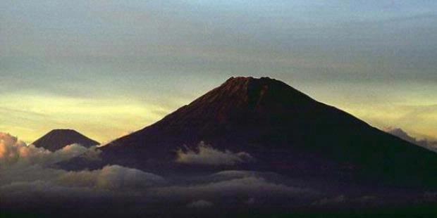 Gunung Sindoro Terakhir Meletus 101 Tahun Lalu
