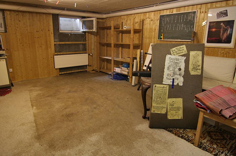 troll haus. Black Bedroom Furniture Sets. Home Design Ideas