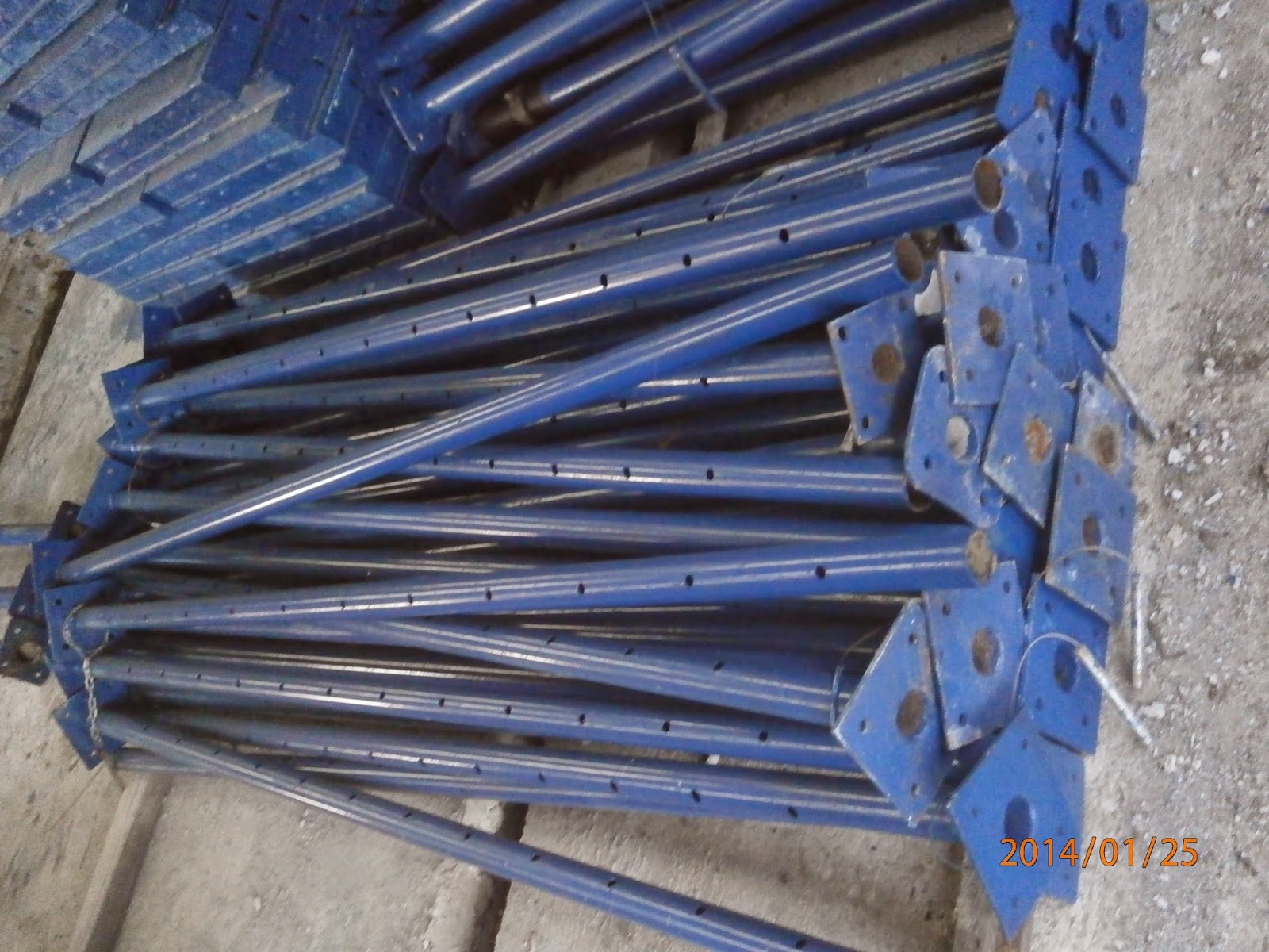 Pole Shoring Jacks : Scaffolding and formworks for building construction