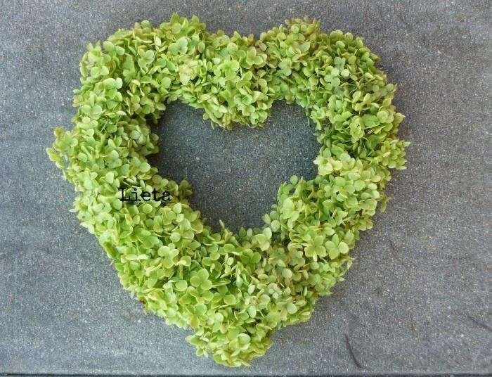 LIETA CIMA: Cuore di ortensie verdi
