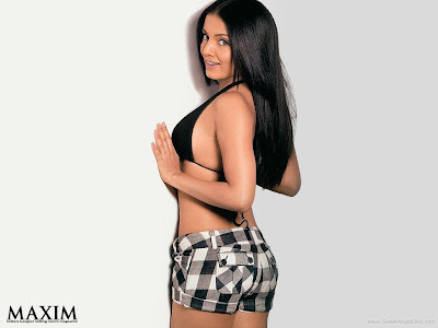 Celina Jaitley Pretty Wallpapers