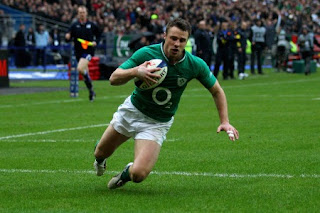 Tommy Bowe scoring his second try