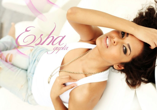 Esha Gupta Photo
