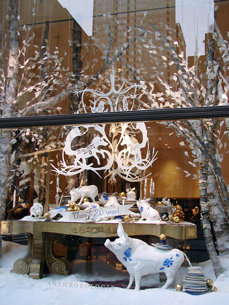 Beautiful window displays anthropologie holiday windows for Salon xmas decorations
