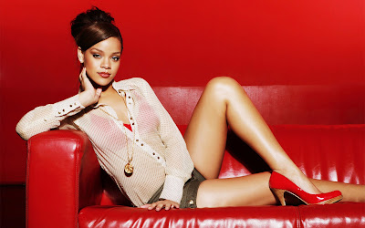 Download Rihanna HD Wallpapers