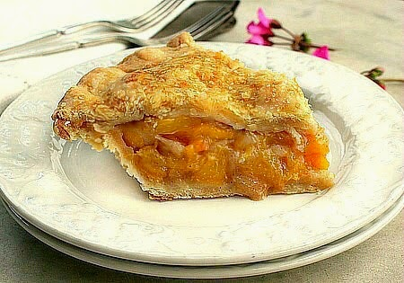 The Perfect Fresh Peach Pie