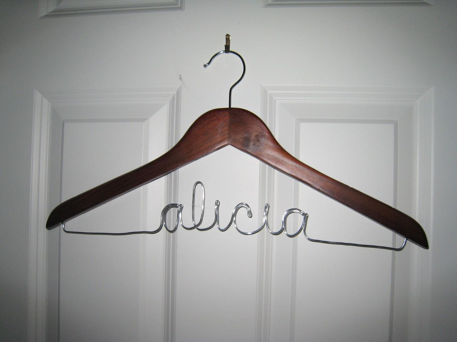 Rhody Life: DIY: Wire Hangers