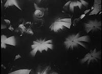 Regen. Rain. Lluvia.(1929). Jorins Ivens. Sinfonias Urbanas