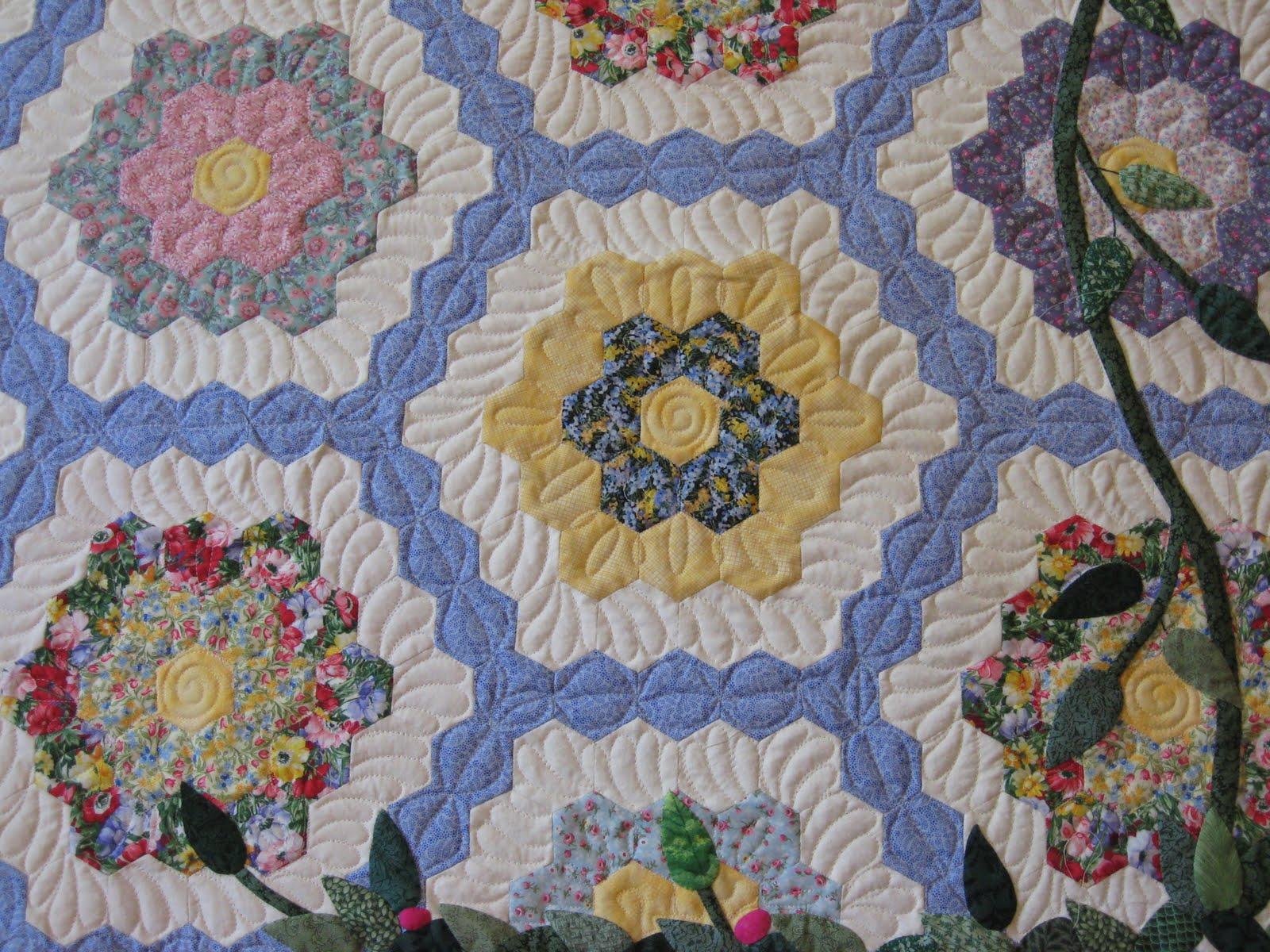 twiddletails: Quilting Grandmother s Flower Garden