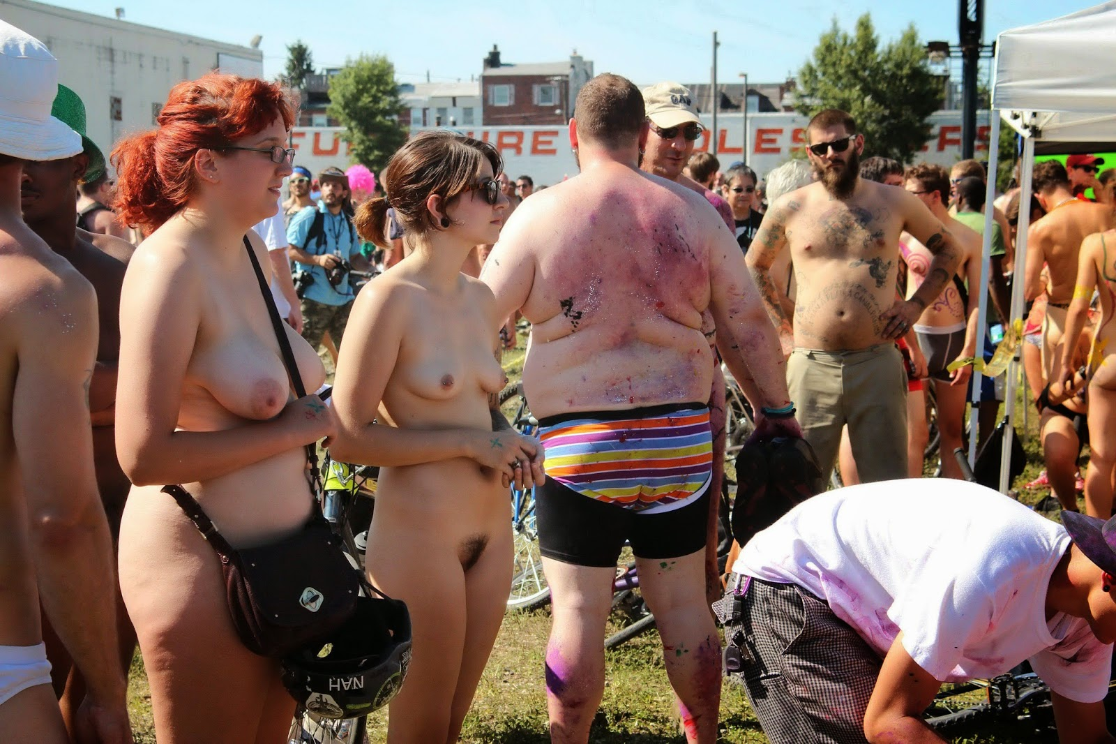 nude bike babes hq