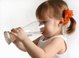 15 Manfaat Air Putih Bagi Kesehatan Tubuh
