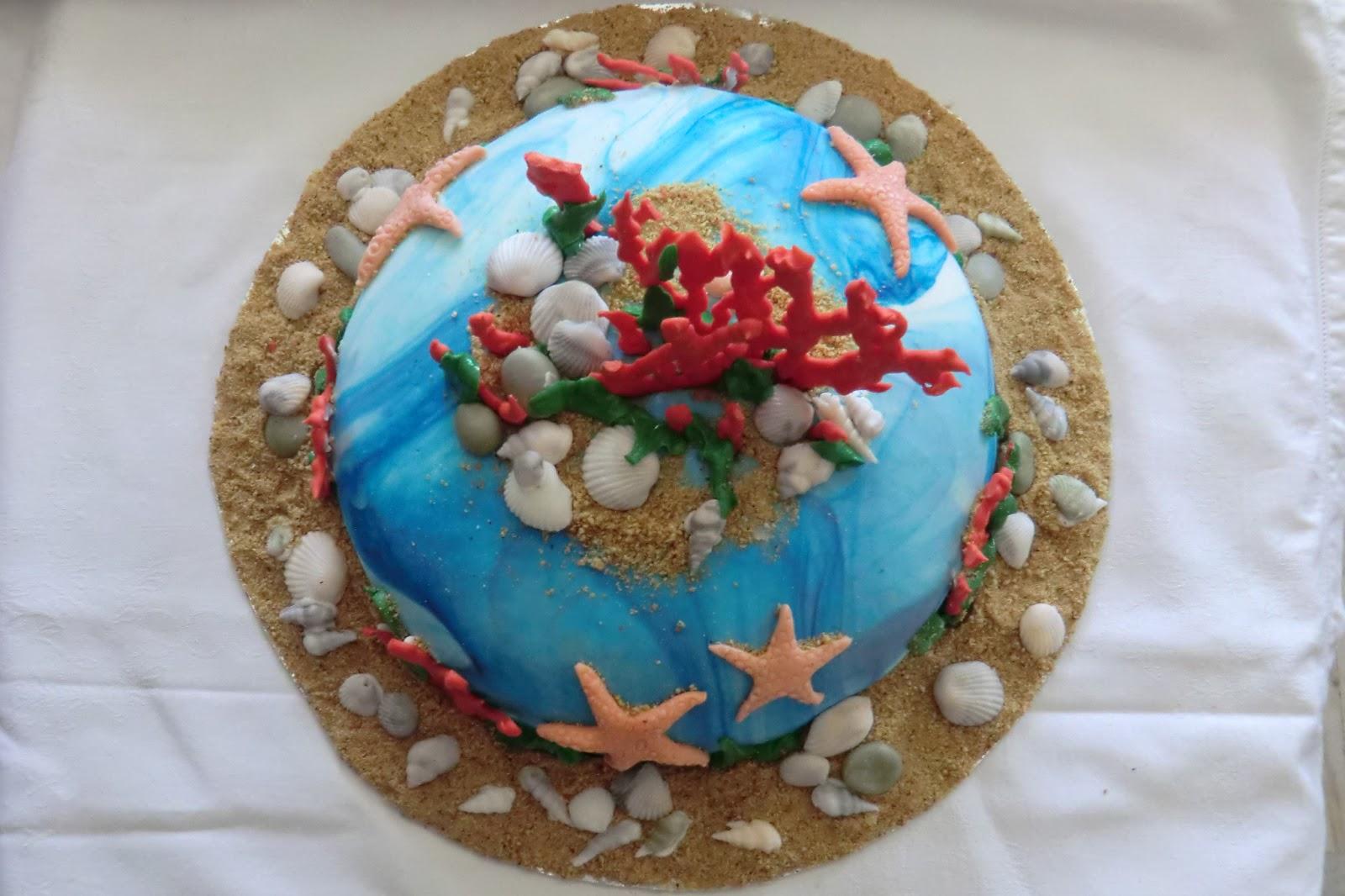 Barriera corallina dolci conchigliette in pasta di zucchero coralli di glassa stelle marine e - Glassa a specchio su pan di spagna ...