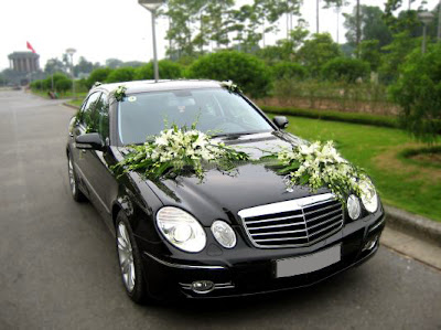cho thuê xe cưới mercedes E280 hạng sang tại Hà Nội