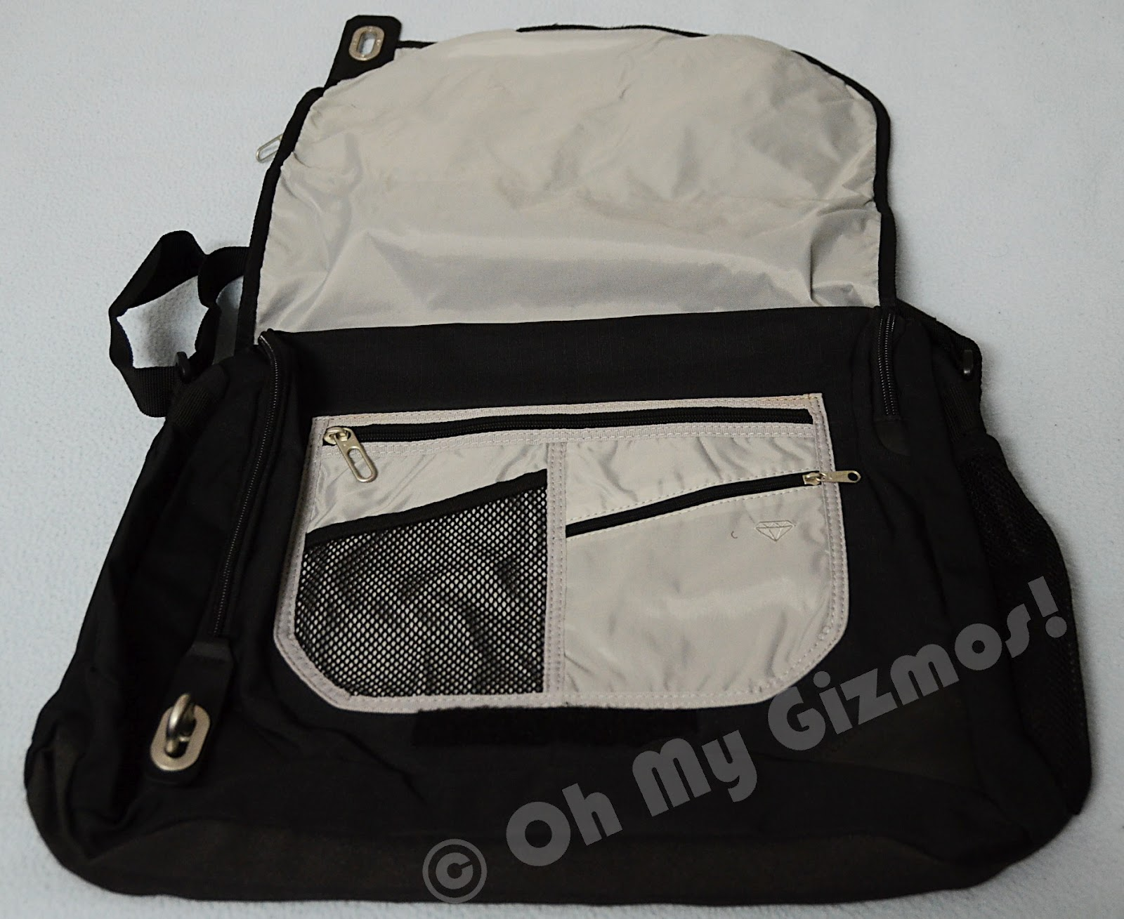 oh my gizmos nike messenger laptop bag