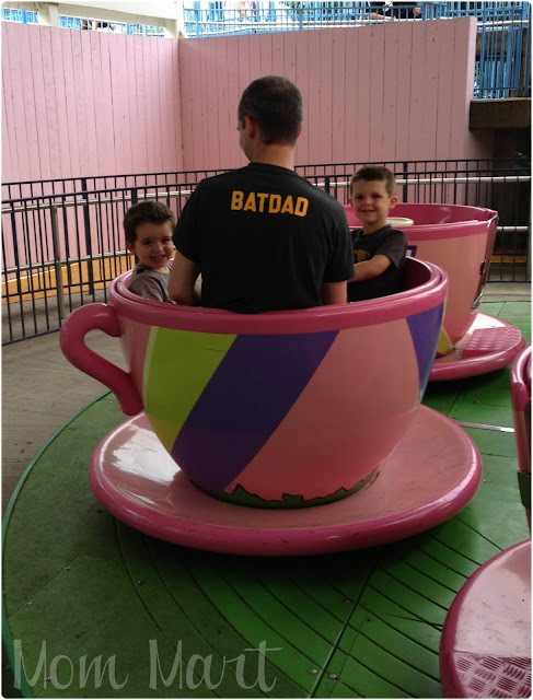 BATDAD with the boys in a little pink teacup ride at Six Flags