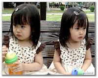 gambar Bayi Kembar