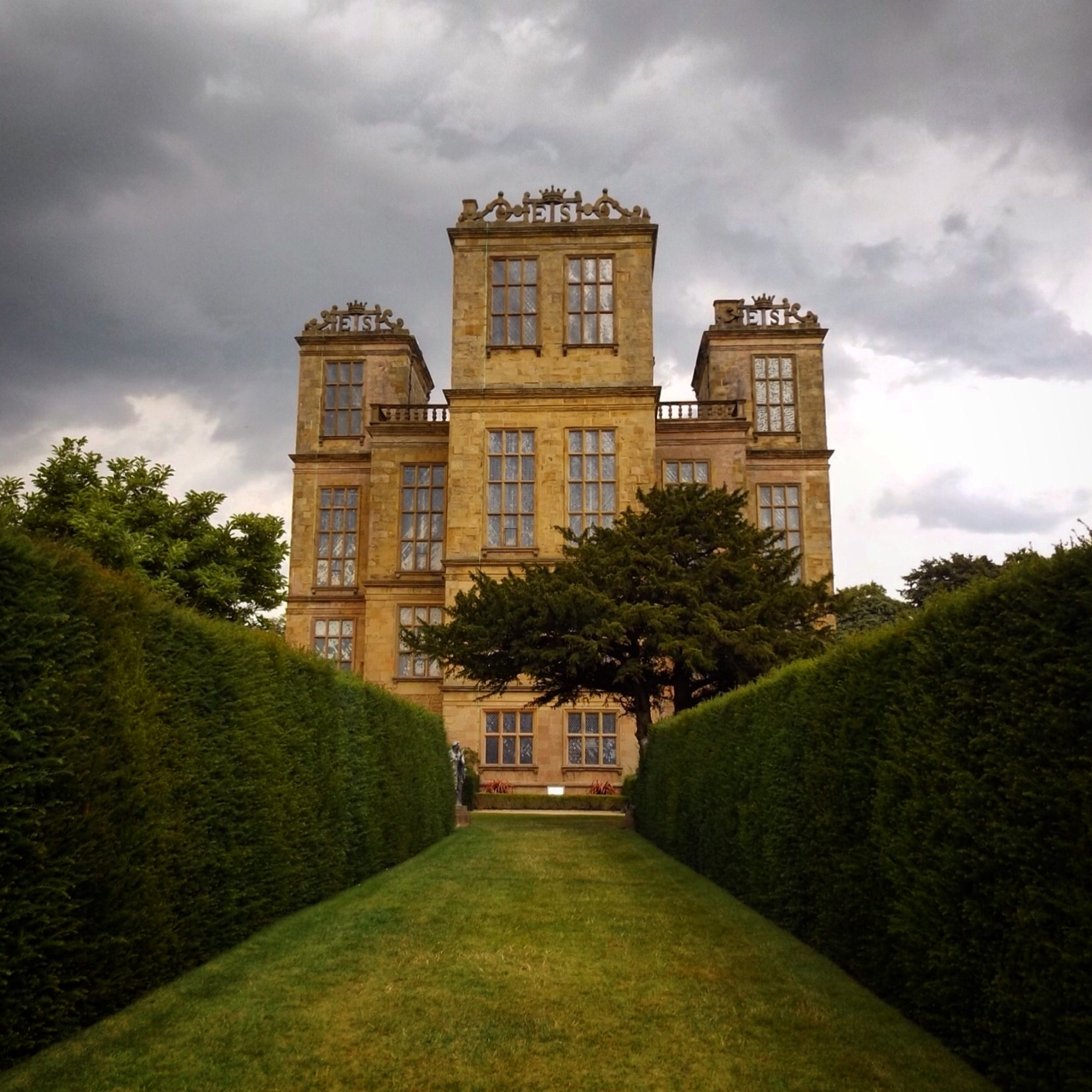 Charlotte in England: Hardwick Hall, Doe Lea, Chesterfield, England