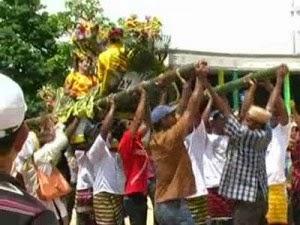 """Sky Fly: Sulawesi Tenggara - """"Tarian Adat, Rumah Adat ..."""