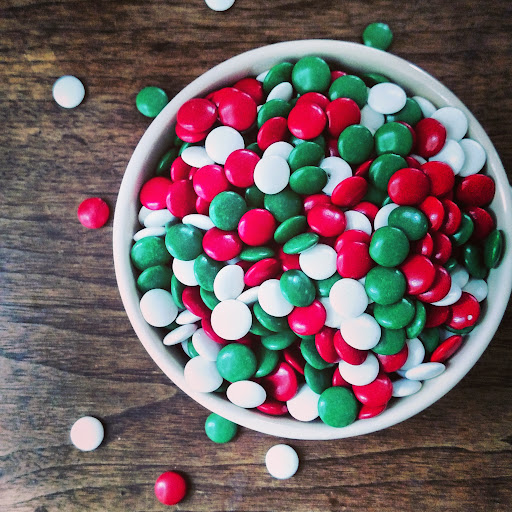 Bowl-Holiday-Candy-tasteasyougo.com