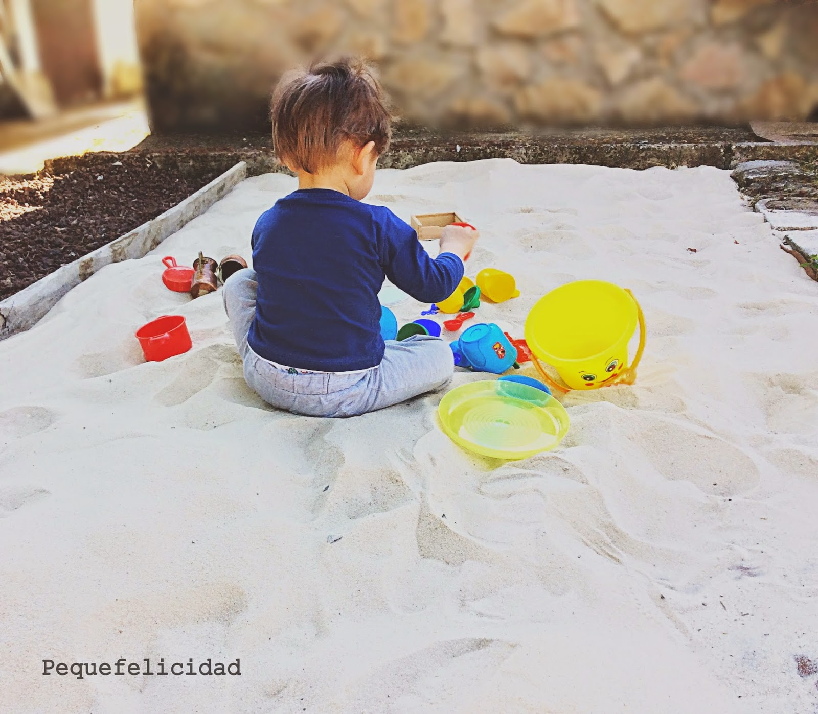 Pequefelicidad c mo constru mos nuestro arenero for Actividades para jardin