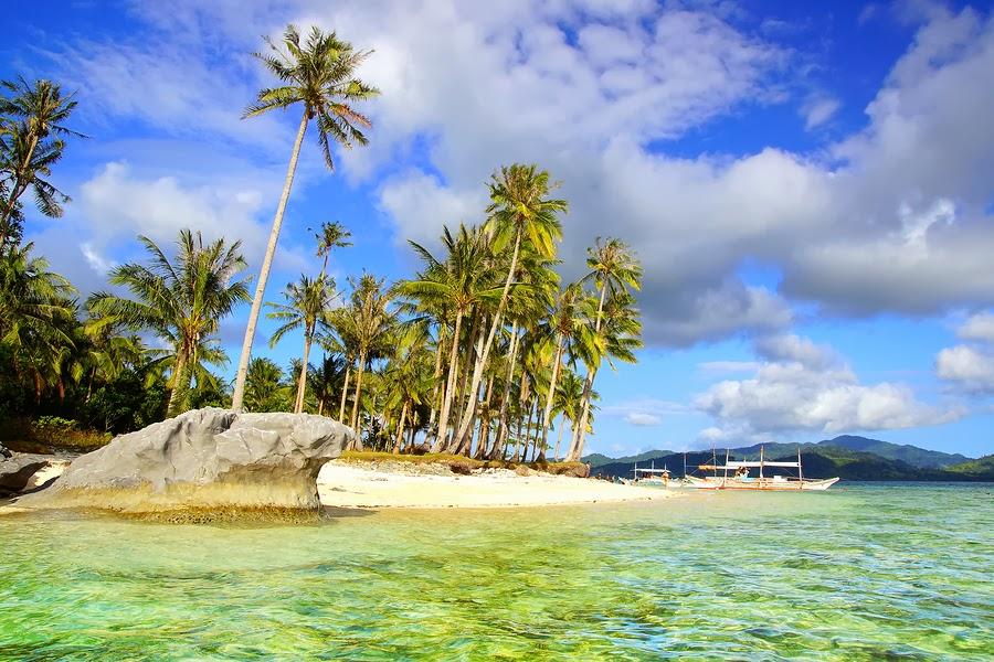 Island Beach in El Nido, Palawan