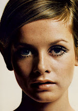 "Twiggy ""Fashion Icon"""