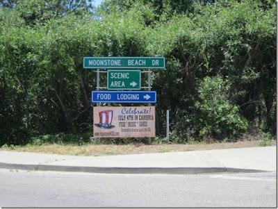 4th of July Banners Hanging in Cambria, California | Banners.com
