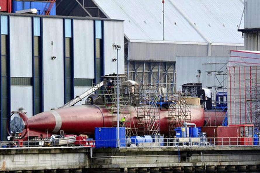 Los submarinos U206 ARC Intrépido y ARC Indomable de la Armada de Colombia en los astilleros de HDW en Kiel.