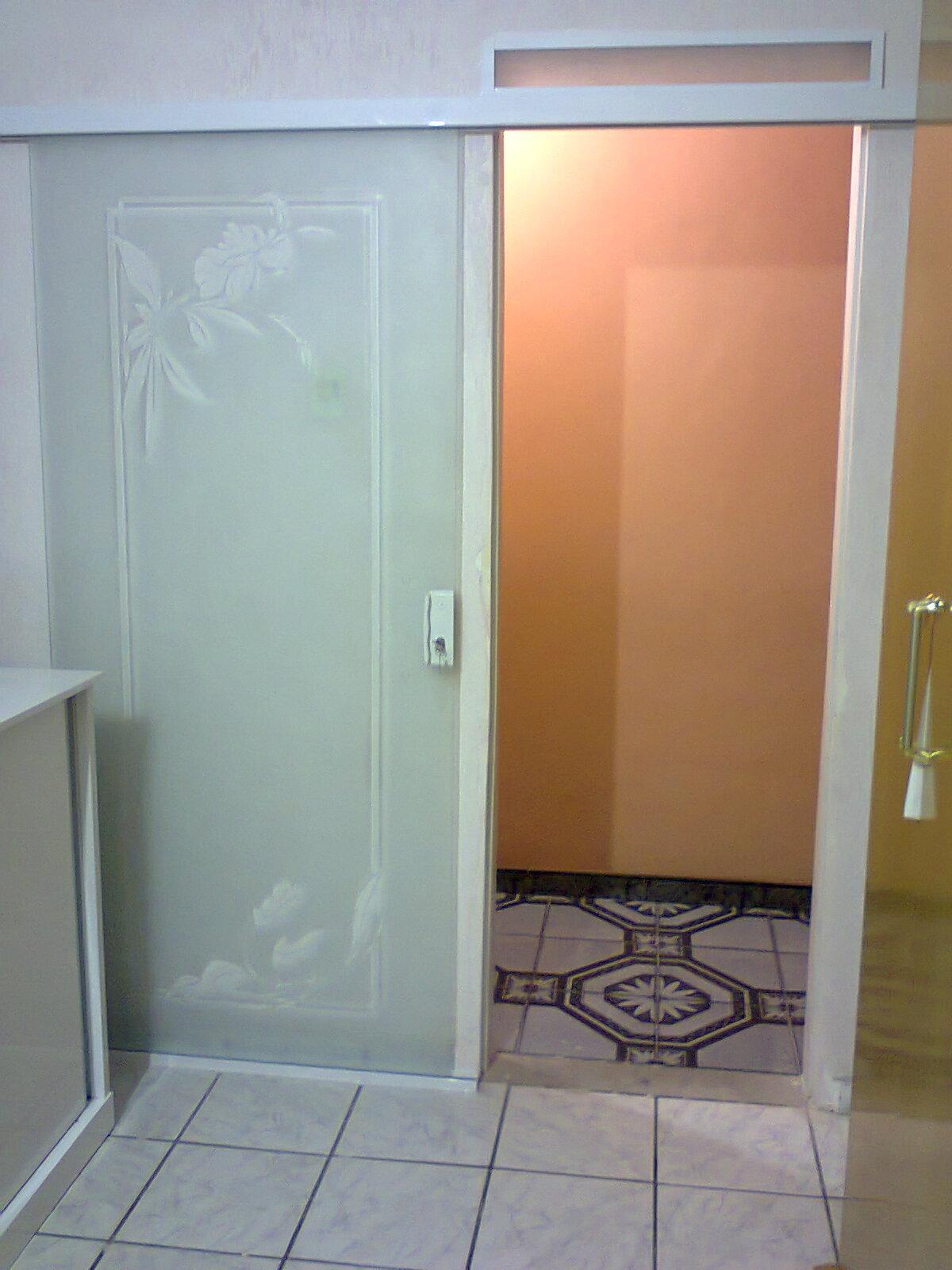 Porta de correr decorada em vidro jateado #B04F1B 1200 1600
