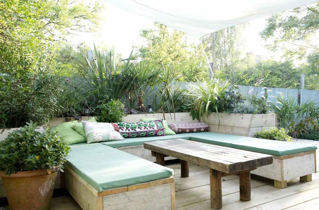 Allez on fonce se prélasser dans le jardin tasse de thé et scones à volonté londres se met au vert lespace dun instant