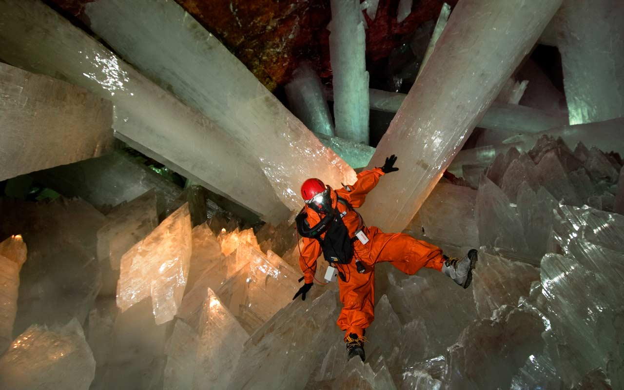 Most shocking places of world! : Caves of Crystals, Mexico ... Quartz Crystal Cave
