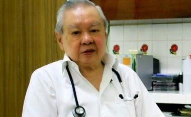Biografi dr Lo Siaw Ging - Dokter Teladan
