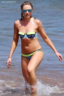 صور الممثلة الأمريكية كاترينا بودين بالبكيني في هاواي